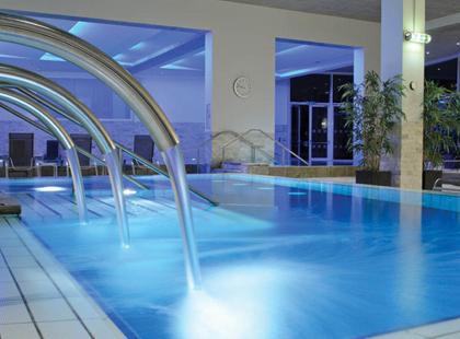 9189_2_Hotel_De_France_pool.jpg