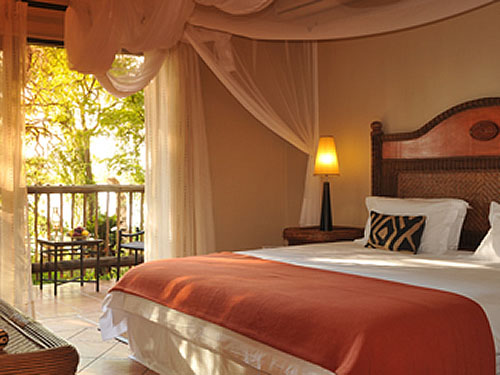 1550_4_Chobe_Marina_Lodge_room.jpg
