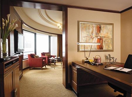 Shangri-La_Kuala_Lumpur_-_Horizon_Club_Suite.jpg