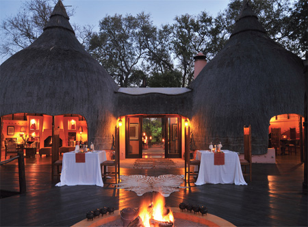 Hoyo_hoyo_safari_lodge_dining.jpg