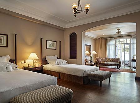 Eastern_and_Oriental_Hotel_-_Heritage_Wing,_Premier_Suite.jpg