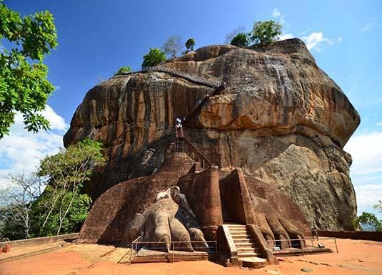 The_Cultural_Triangle_Sigiriya2.jpg