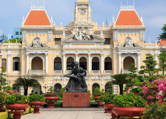 Ho-Chi-Minh-City-Hall.jpg