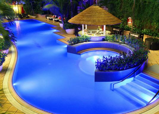 Caravelle-Saigon-Swimming-P.jpg