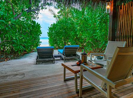 Constance-moofushi-maldives-2020-beach-villa-03.jpg
