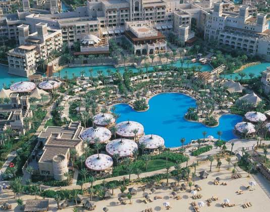 Madinat_Jumeirah_Al_Qasr_-_Aerial.jpg