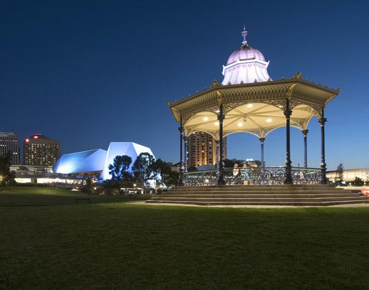 Adelaide_at_night.jpg