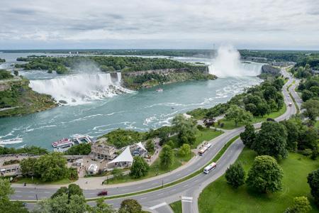 Niagara_Falls_exterior_009.jpg
