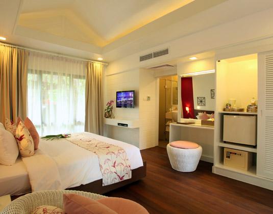 Chaweng_Regent_-_Deluxe_Villa.jpg