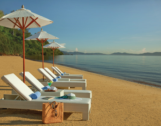 Gaya Island Resort - Beach