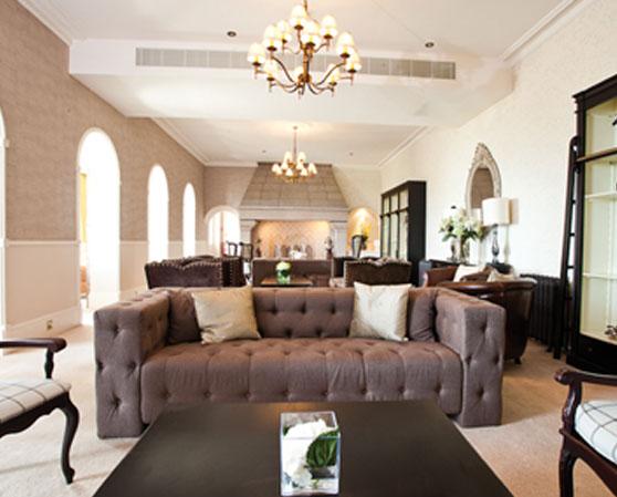 St_Brelades_Bay_-_Lounge.jpg