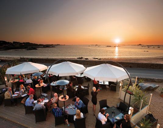 Cobo_Bay_-_Terrace_at_Sunset.jpg