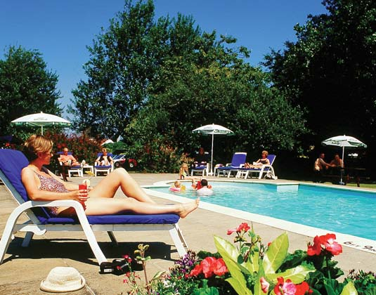 Le Friquet - Pool and Loungers