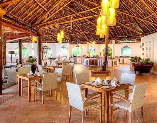 Bluebay_Beach_Resort_-_Makuti_Restaurant.jpg