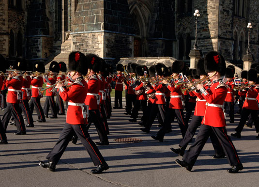 Ottawa_-_Changing_the_Guard.jpg