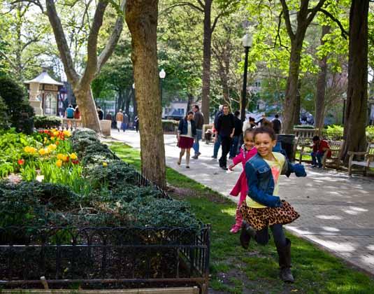 Philadelphia_Highlights_Rittenhouse_Square.jpg