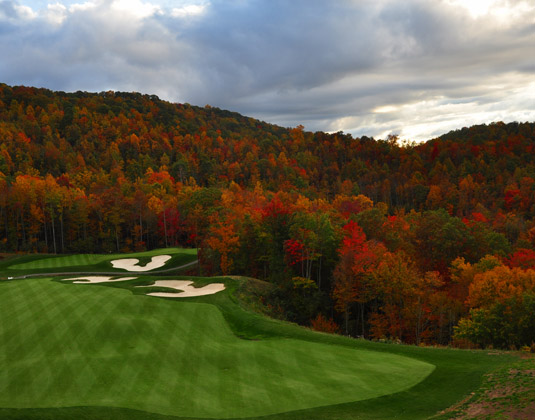 Golf_course_in_the_North_Carolina_Mountains.jpg