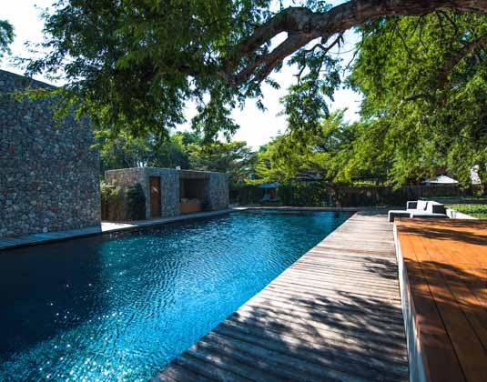 X2_Kui_Buri_-_Swimming_pool.jpg