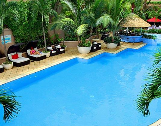 Caravelle_Saigon_-_Pool.jpg