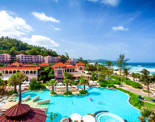 Centara_Grand_Phuket_Beach_Resort_-_Water_Park.jpg