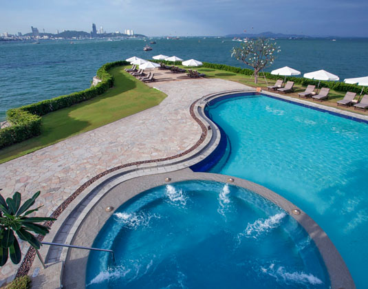 Dusit Thani Pattaya - Lagoon Pool