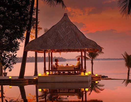 Oberoi_Lombok_-_Romantic_Dinner.jpg