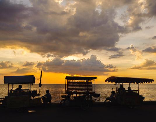 PATTA_REGION_SIDE_IMAGESunset_on_the_sea_Jomtien.jpg