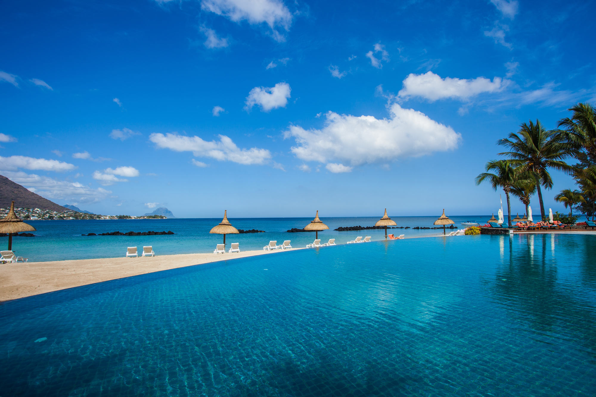 4*Plus Sands Suites Resort & Spa Mauritius Holidays