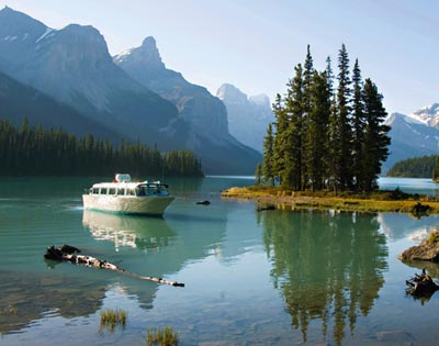 Spirit Island Cruise on Maligne Lake excursion