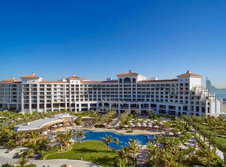 Waldorf-Astoria-Dubai-Palm-Jumeirah_exterior-and-pool.jpg