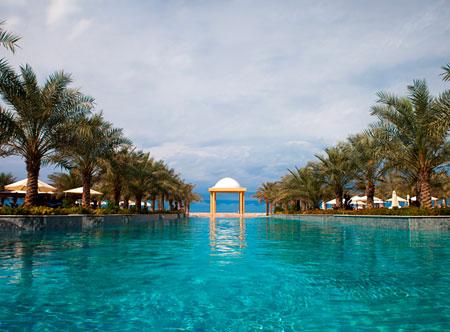 Hilton-Ras-Al-Khaimah_pool.jpg