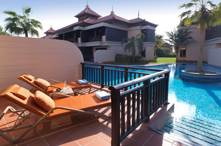 Anantara_The_Palm_Premier_Lagoon_Access_Room_Terrace_01_G_A_H.jpg