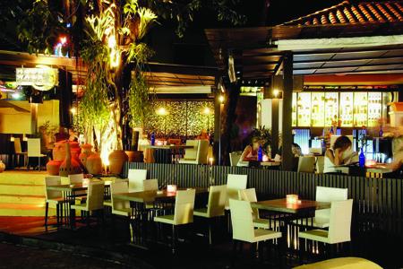 Baan_Samui_Resort_-_Moon_Walk_Restaurant_and_Bar.jpg