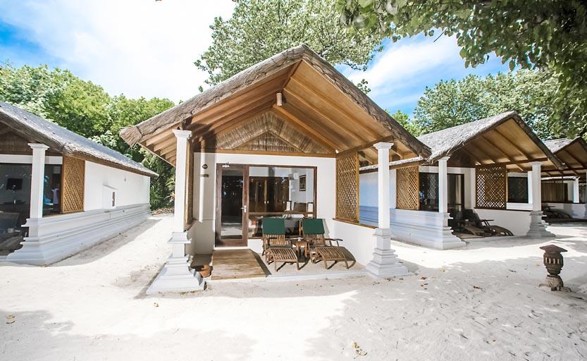 Reethi-Beach_deluxe-villa-exterior.jpg