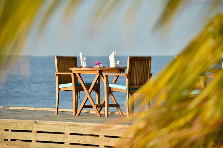 Reethi-Faru_dinner-table-on-jetty.jpg