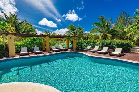 Aitutaki-Lagoon-Private-Island-Resort_pool.jpg