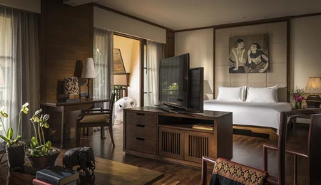 Anantara-Golden-Triangle_Deluxe-Family-Suite-Living-Area.jpg