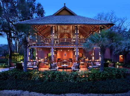 Hyatt-Regency-Hua-Hin_47-McFarland-House-Night-Time.jpg