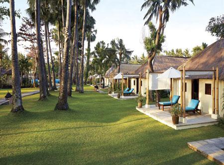 Jimbaran-Puri-cottage-suite-beach-view.jpg