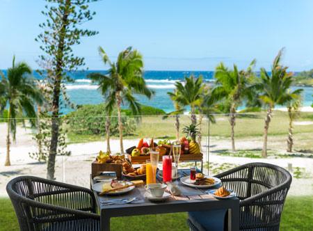 Anantara_Iko_Mauritius_Resort_And_Villas_Guest_Room_Ocean_View_Suite_Breakfast.jpg