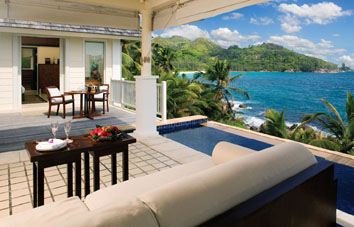 14850_5_Banyan_Tree_Seychelles_view_of_intendance_bay_from_rock_villa.jpg