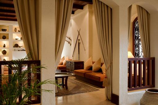 Al Maha Desert Resort & Spa - Lobby Lounge