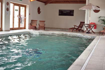 CB9030_4_Norfolk_Lodge_pool.jpg