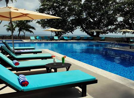 Berjaya_Beau_Vallon_Swimming_Pool1.jpg