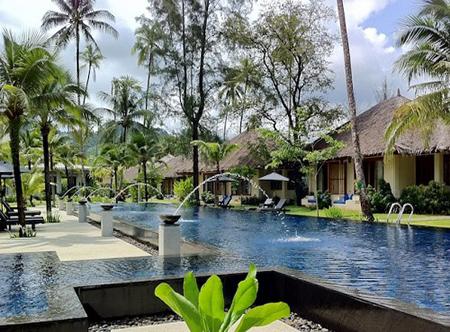 Bangsak_Village_-_Swimming_Pool.jpg