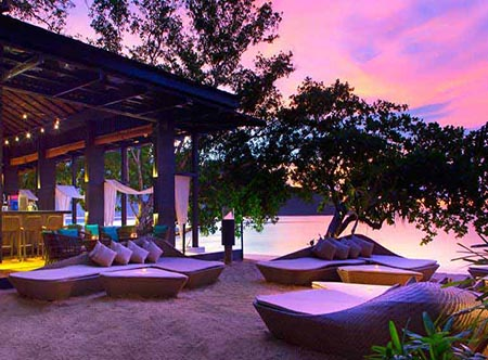 The_Andaman,_a_Luxury_Collection_Resort,_Langkawi_Malaysia_-_Beach_Bar.jpg