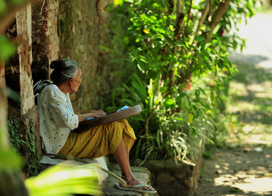 Old women sitting at Tenganan Village
