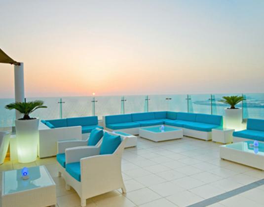 Hilton_Dubai_Jumeirah_Resort_-_Pure_Sky_Lounge.jpg