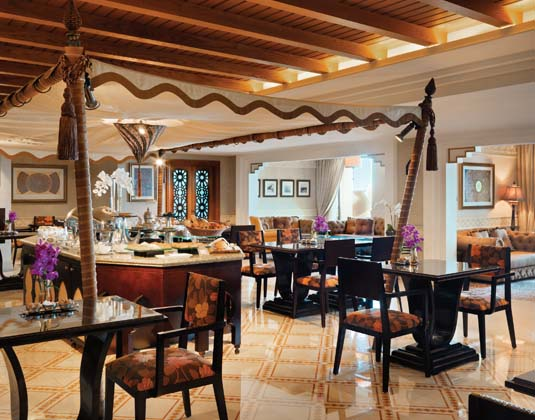 Madinat_Jumeirah_Mina_A_Salam_-_Executive_Club_Lounge.jpg