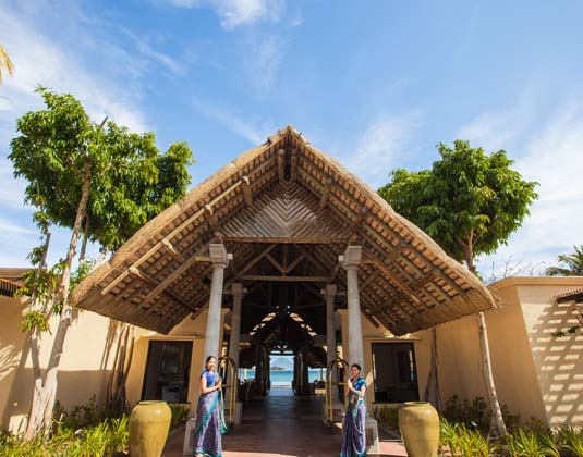Sands_Suites_Resort_and_Spa_-_Entrance.jpg